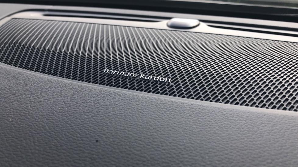 Volvo V90 2.0 D4 R Design Pro Auto with XeniumPk, Harman Kardon, BLIS & Seat Pack. image 15