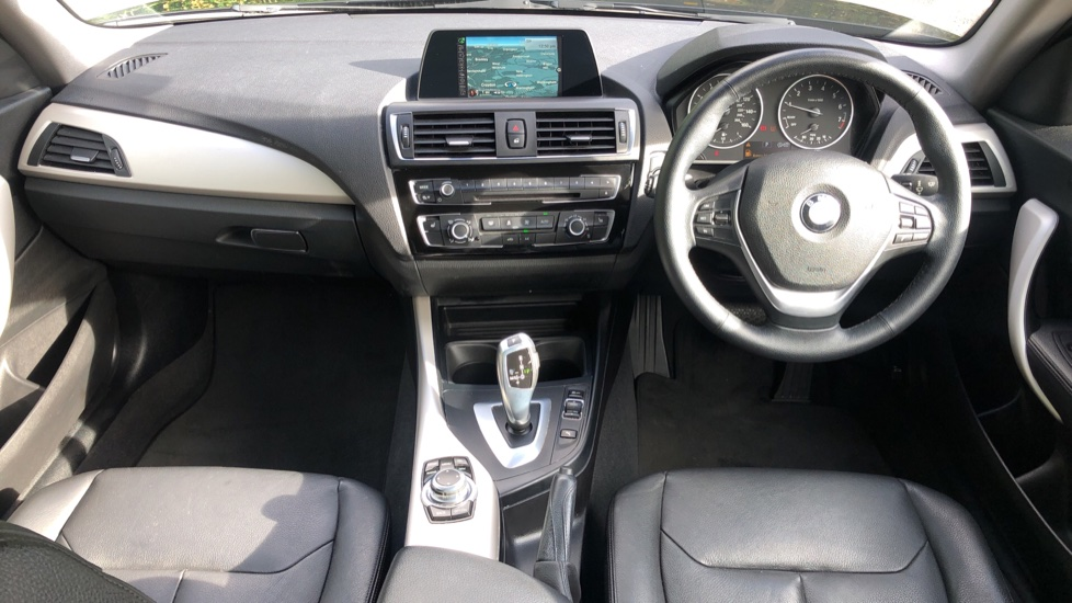 BMW 2 Series 218i SE Coupe Auto, Nav, Xenon Headlights, DAB Radio, Rear Camera, Front and Rear Sensors image 7