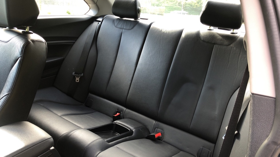 BMW 2 Series 218i SE Coupe Auto, Nav, Xenon Headlights, DAB Radio, Rear Camera, Front and Rear Sensors image 13