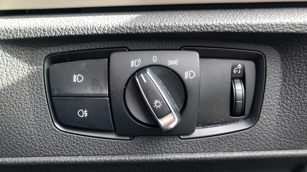 BMW 2 Series 218i SE Coupe Auto, Nav, Xenon Headlights, DAB Radio, Rear Camera, Front and Rear Sensors image 26