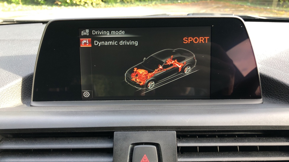 BMW 2 Series 218i SE Coupe Auto, Nav, Xenon Headlights, DAB Radio, Rear Camera, Front and Rear Sensors image 27