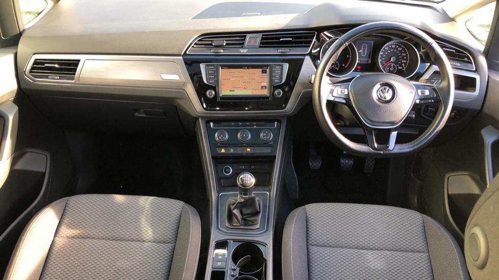 Volkswagen Touran 1.6 TDI 115 SE Family Manual, Nav, Sunroof, Adaptive Cruise, DAB Radio, Front & Rear Sensors image 8