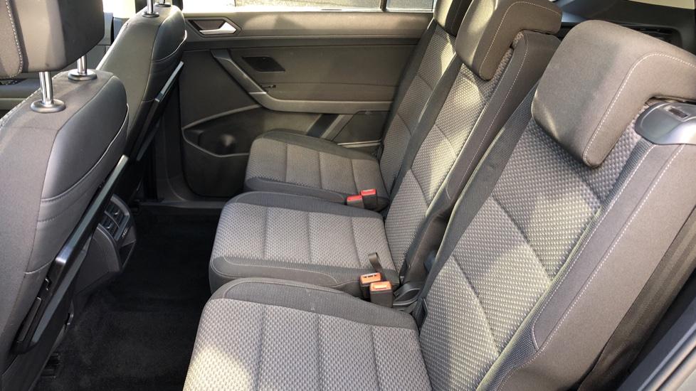 Volkswagen Touran 1.6 TDI 115 SE Family Manual, Nav, Sunroof, Adaptive Cruise, DAB Radio, Front & Rear Sensors image 14