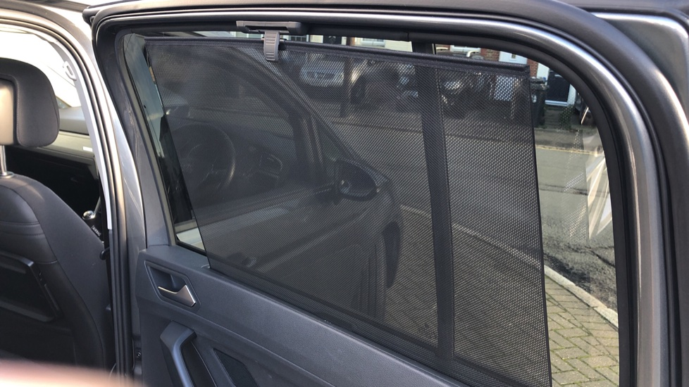 Volkswagen Touran 1.6 TDI 115 SE Family Manual, Nav, Sunroof, Adaptive Cruise, DAB Radio, Front & Rear Sensors image 17