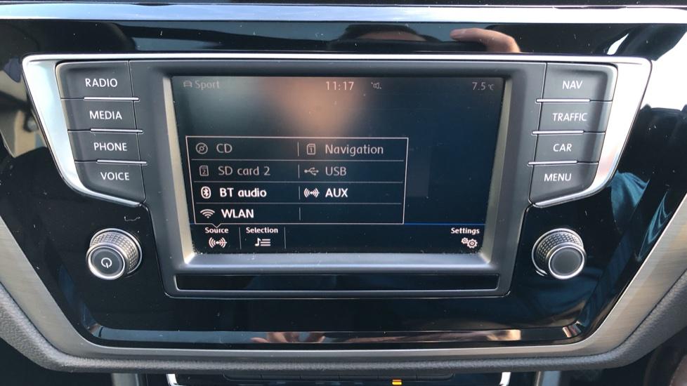 Volkswagen Touran 1.6 TDI 115 SE Family Manual, Nav, Sunroof, Adaptive Cruise, DAB Radio, Front & Rear Sensors image 22