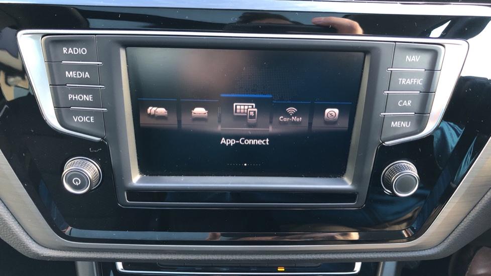 Volkswagen Touran 1.6 TDI 115 SE Family Manual, Nav, Sunroof, Adaptive Cruise, DAB Radio, Front & Rear Sensors image 23