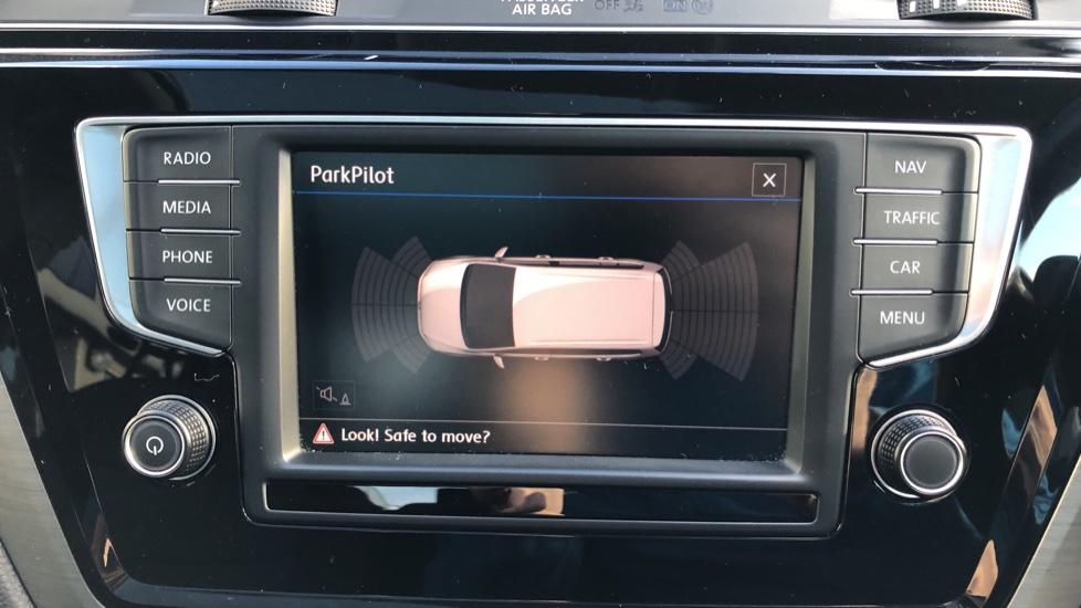 Volkswagen Touran 1.6 TDI 115 SE Family Manual, Nav, Sunroof, Adaptive Cruise, DAB Radio, Front & Rear Sensors image 7