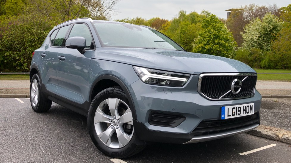 Volvo XC40 2.0 D3 Momentum Auto with Nav, Intellisafe Surround, Winter Pk and Convenience Pk. Diesel Automatic 5 door Estate (2020)