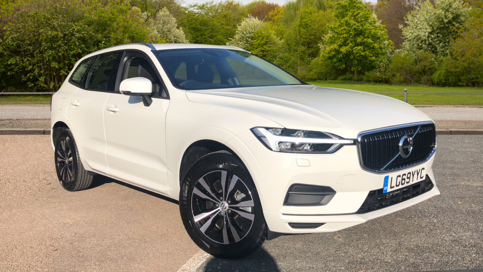 Volvo XC60 2.0 B4D AWD Mild Hybrid Momentum Nav Auto with Family/Winter/Convenience Pks, Rr. Cam, 18' Wheels Diesel/Electric Automatic 5 door 4x4 (2020) image