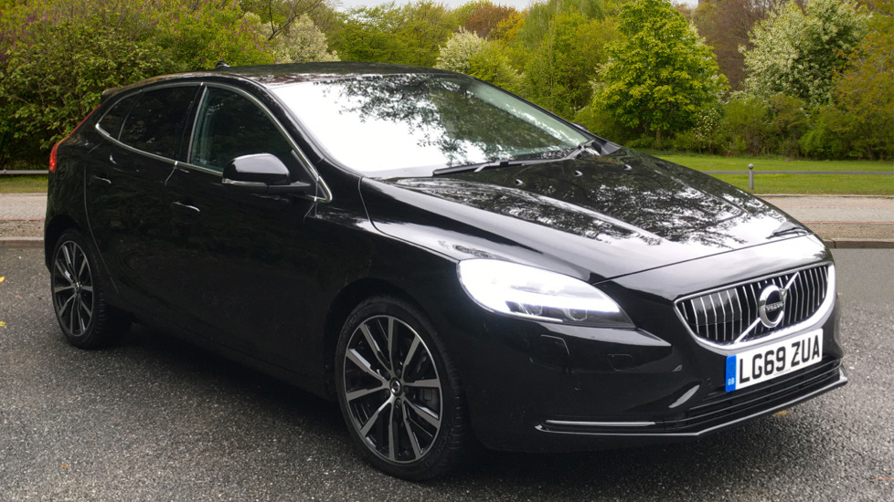 Volvo V40 T3 Inscription Edition Auto, Nav, Winter Pack, 18 Inch Wheels & Privacy Glass 1.5 Automatic 5 door Hatchback (2019) at Volvo Croydon thumbnail image