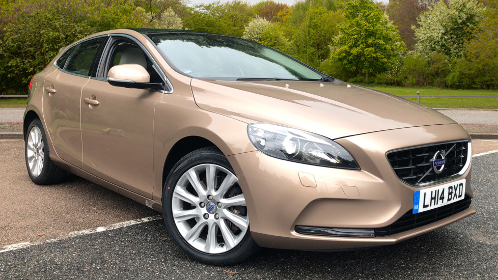 Volvo V40 D3 SE Lux Nav Auto with Heated Screen & Seats, Pano Roof, DAB Radio & Forward Folding Front Seat 2.0 Diesel Automatic 5 door Hatchback (2014) at Volvo Croydon thumbnail image