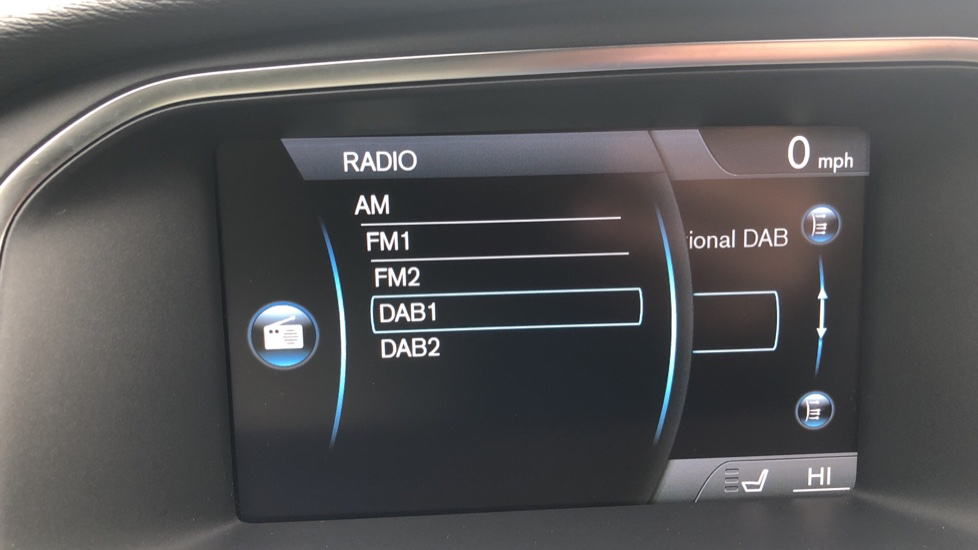 Volvo V40 D3 SE Lux Nav Auto with Heated Screen & Seats, Pano Roof, DAB Radio & Forward Folding Front Seat image 12
