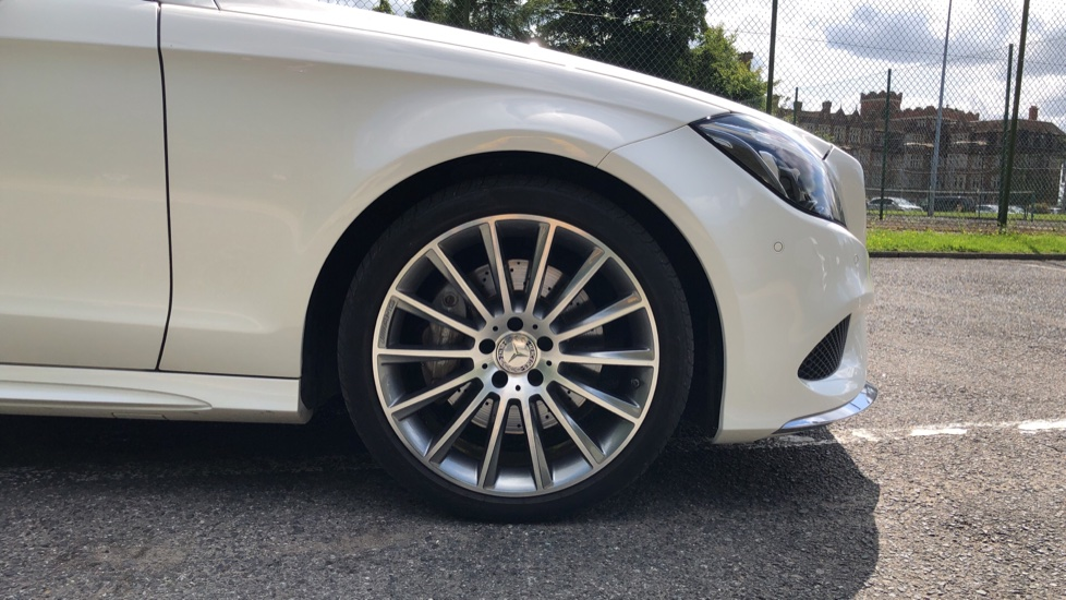 Mercedes-Benz CLS-Class CLS 350d AMG Line Premium Plus Auto with 360 Camera, Command Sat Nav. image 6