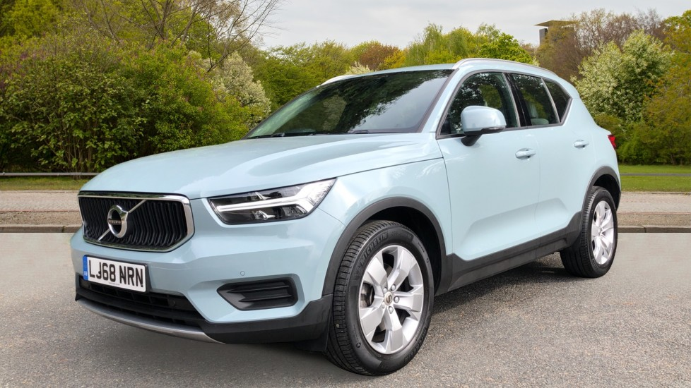 Volvo XC40 D3 Momentum AWD Auto, Nav, Rear Camera, Parking Sensors, Smartphone Integration, Keyless Drive image 3 thumbnail