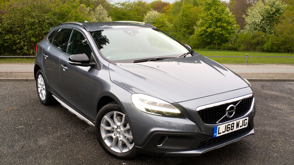 Volvo V40 T3 150hp Petrol Cross Country Auto with Winter Pack, DAB Radio, Styling Pk & Tempa Spare Wheel 1.5 Automatic 5 door Hatchback (2018) image
