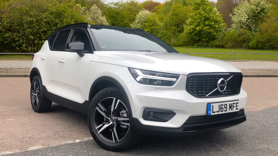 Volvo XC40 2.0 T4 R Design FWD Auto with Winter & Convenience Packs, Rear Park Assist Camera. Automatic 5 door Estate (2020) at Volvo Croydon thumbnail image
