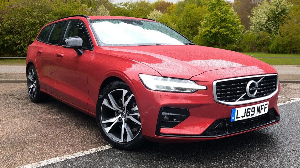 Volvo V60 2.0 D4 [190] R Design with Winter Pack, Heated Screen, Smartphone Integration, Apply Car Play  Diesel Automatic 5 door Estate (2019)