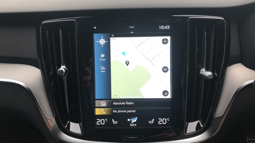 Volvo V60 2.0 D4 [190] R Design with Winter Pack, Heated Screen, Smartphone Integration, Apply Car Play  image 5