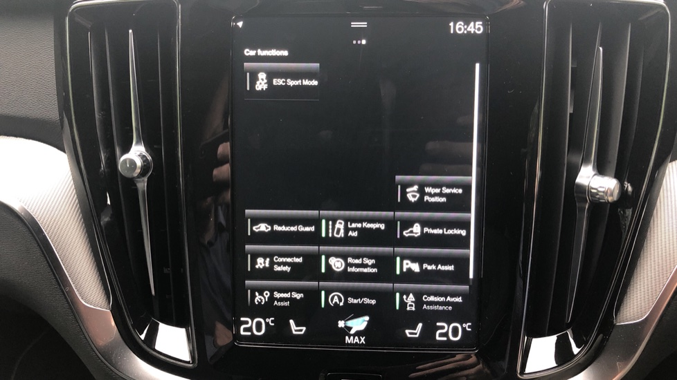 Volvo V60 2.0 D4 [190] R Design with Winter Pack, Heated Screen, Smartphone Integration, Apply Car Play  image 11