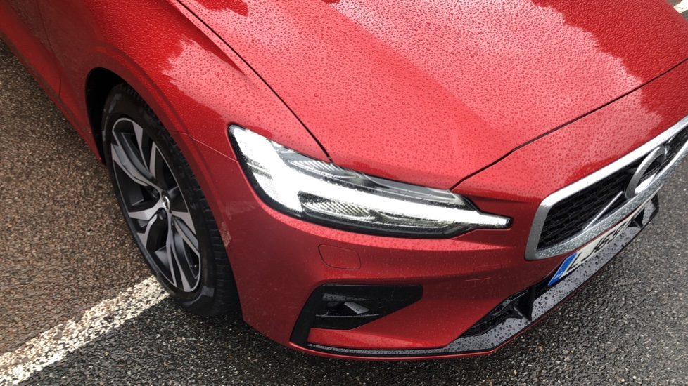 Volvo V60 2.0 D4 [190] R Design with Winter Pack, Heated Screen, Smartphone Integration, Apply Car Play  image 22
