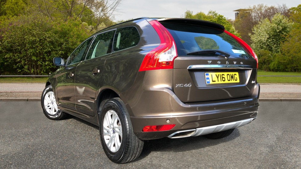 Volvo XC60 D4 SE Nav Auto, Nav, Front & Rear Park Sensors, Bluetooth, DAB Radio, ISOFIX Child Seat Fixings image 4