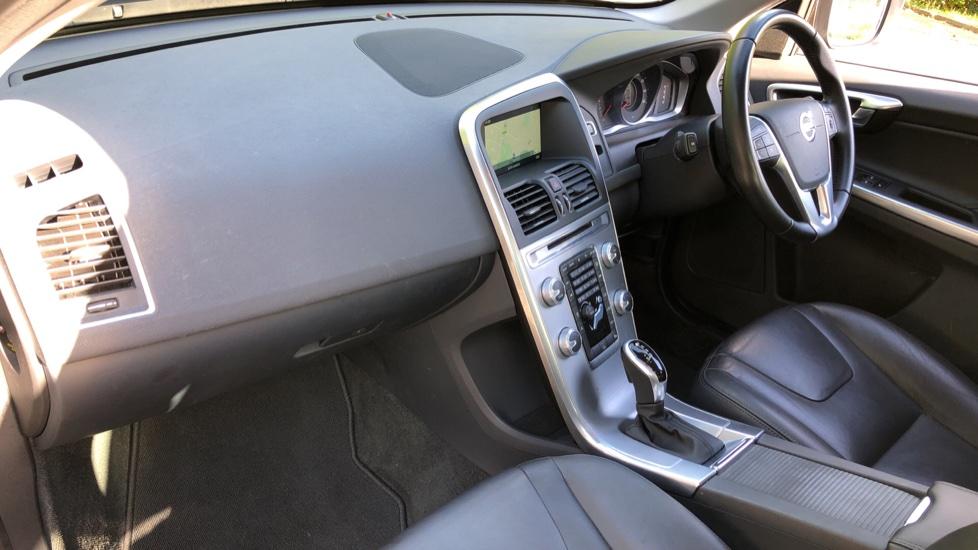 Volvo XC60 D4 SE Nav Auto, Nav, Front & Rear Park Sensors, Bluetooth, DAB Radio, ISOFIX Child Seat Fixings image 8