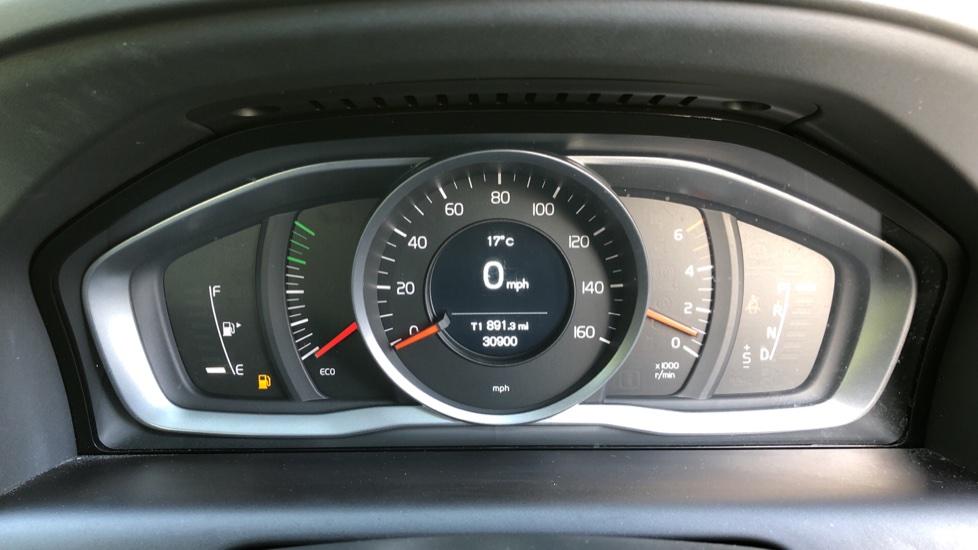 Volvo XC60 D4 SE Nav Auto, Nav, Front & Rear Park Sensors, Bluetooth, DAB Radio, ISOFIX Child Seat Fixings image 9