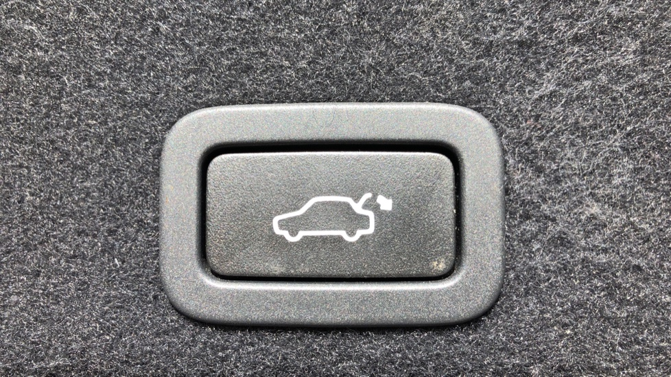Volvo XC60 D4 SE Nav Auto, Nav, Front & Rear Park Sensors, Bluetooth, DAB Radio, ISOFIX Child Seat Fixings image 22