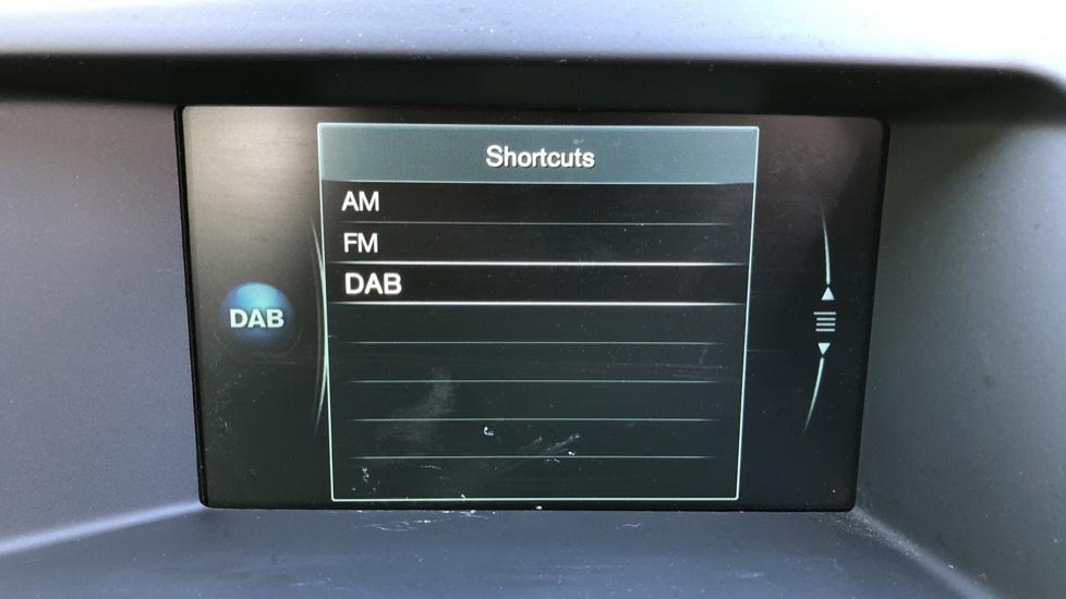 Volvo XC60 D4 SE Nav Auto, Nav, Front & Rear Park Sensors, Bluetooth, DAB Radio, ISOFIX Child Seat Fixings image 15