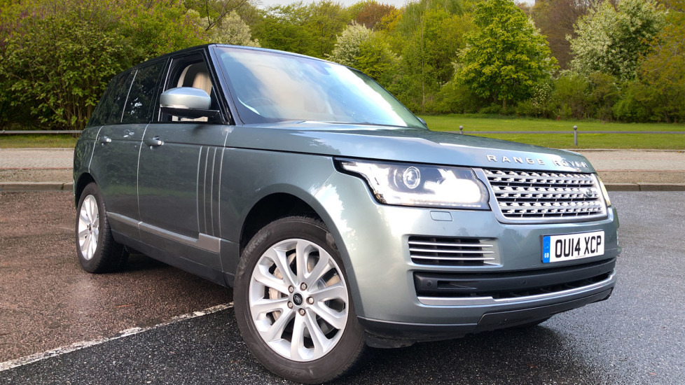 Land Rover Range Rover 4.4 SDV8 Vogue SE 4dr, Lenticular TV & Sat Nav, Heated Screen, 4 Zone Climate Air Con, Memory Seats Diesel Automatic 5 door 4x4 (2014) available from Land Rover Swindon thumbnail image