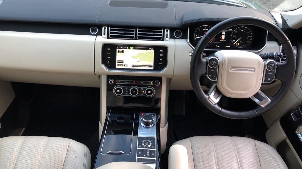 Land Rover Range Rover 4.4 SDV8 Vogue SE 4dr, Lenticular TV & Sat Nav, Heated Screen, 4 Zone Climate Air Con, Memory Seats image 14