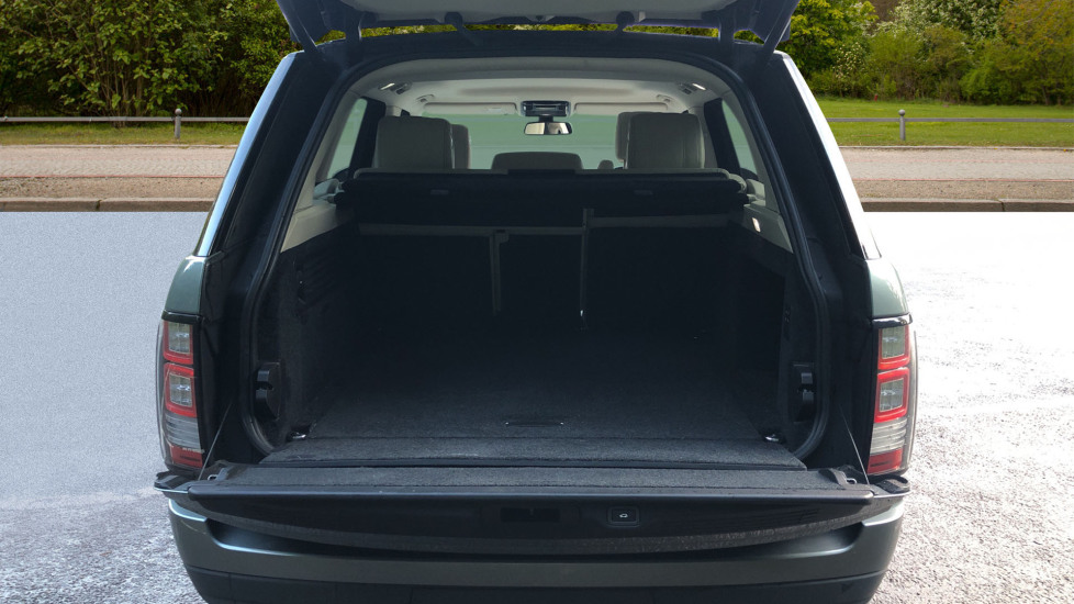 Land Rover Range Rover 4.4 SDV8 Vogue SE 4dr, Lenticular TV & Sat Nav, Heated Screen, 4 Zone Climate Air Con, Memory Seats image 18