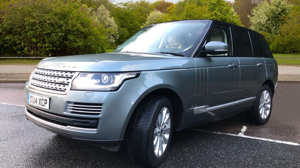 Land Rover Range Rover 4.4 SDV8 Vogue SE 4dr, Lenticular TV & Sat Nav, Heated Screen, 4 Zone Climate Air Con, Memory Seats image 3