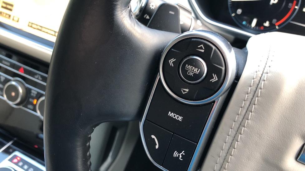 Land Rover Range Rover 4.4 SDV8 Vogue SE 4dr, Lenticular TV & Sat Nav, Heated Screen, 4 Zone Climate Air Con, Memory Seats image 21