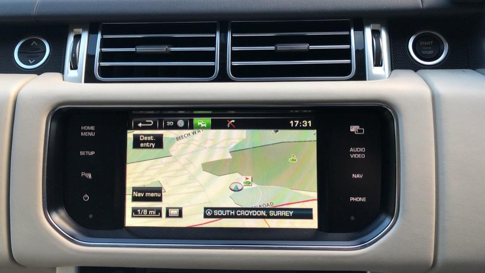 Land Rover Range Rover 4.4 SDV8 Vogue SE 4dr, Lenticular TV & Sat Nav, Heated Screen, 4 Zone Climate Air Con, Memory Seats image 5