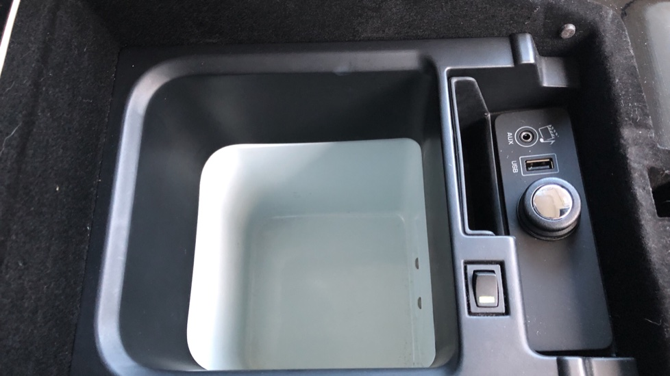 Land Rover Range Rover 4.4 SDV8 Vogue SE 4dr, Lenticular TV & Sat Nav, Heated Screen, 4 Zone Climate Air Con, Memory Seats image 6