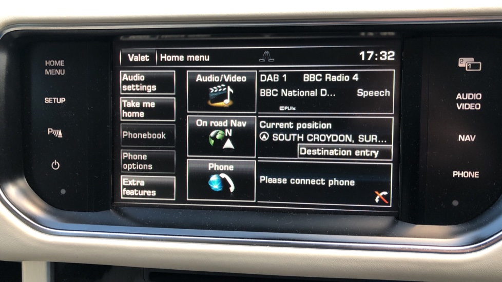 Land Rover Range Rover 4.4 SDV8 Vogue SE 4dr, Lenticular TV & Sat Nav, Heated Screen, 4 Zone Climate Air Con, Memory Seats image 10
