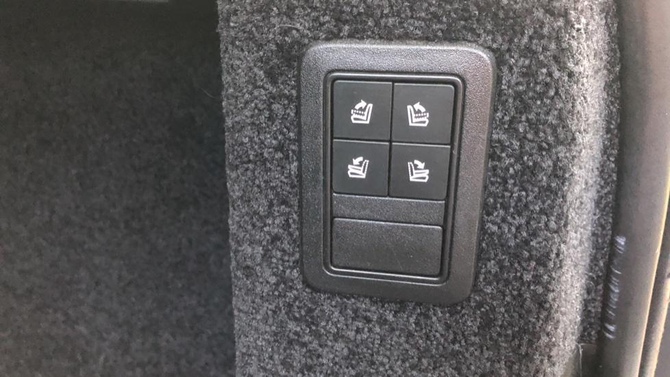Land Rover Range Rover 4.4 SDV8 Vogue SE 4dr, Lenticular TV & Sat Nav, Heated Screen, 4 Zone Climate Air Con, Memory Seats image 27