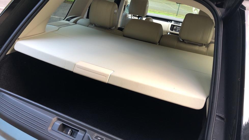 Land Rover Range Rover 4.4 SDV8 Vogue SE 4dr, Lenticular TV & Sat Nav, Heated Screen, 4 Zone Climate Air Con, Memory Seats image 29