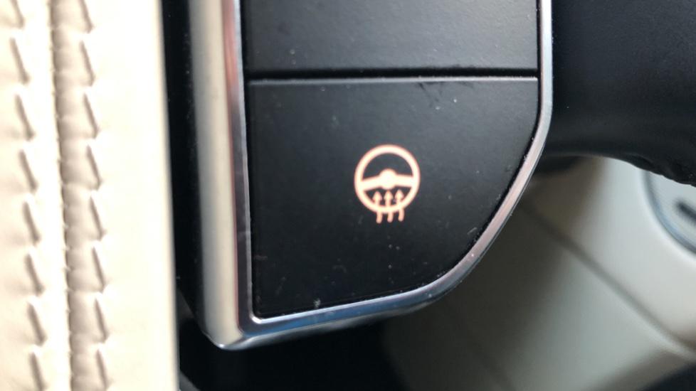 Land Rover Range Rover 4.4 SDV8 Vogue SE 4dr, Lenticular TV & Sat Nav, Heated Screen, 4 Zone Climate Air Con, Memory Seats image 30
