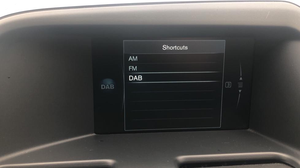 Volvo XC60 D5 [215] AWD R Design Nav Auto with High Perfor Audio, ECC DAB Radio, USB & Bluetooth image 11