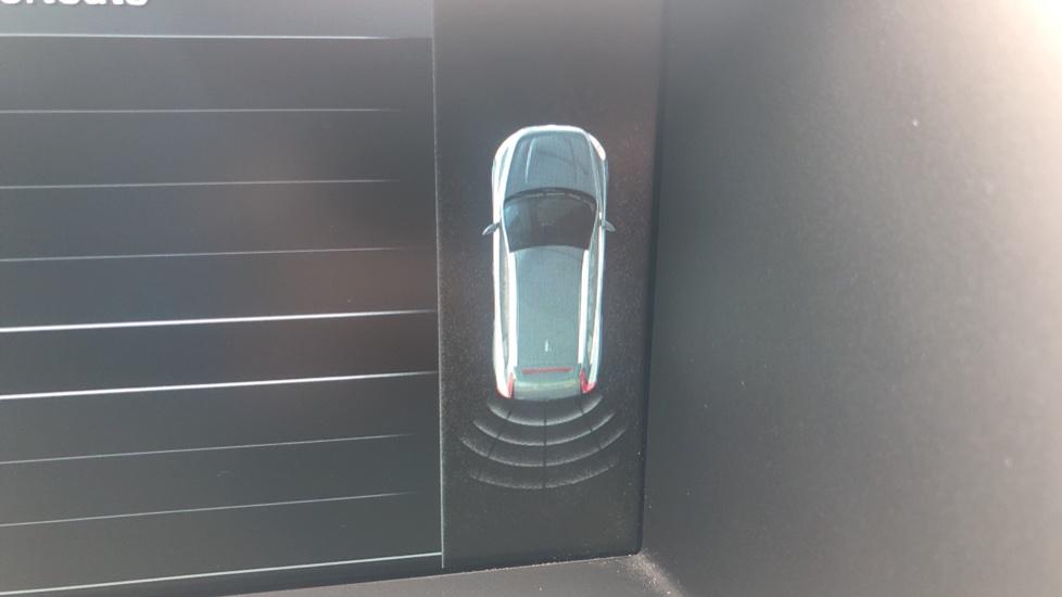 Volvo XC60 D5 [215] AWD R Design Nav Auto with High Perfor Audio, ECC DAB Radio, USB & Bluetooth image 7
