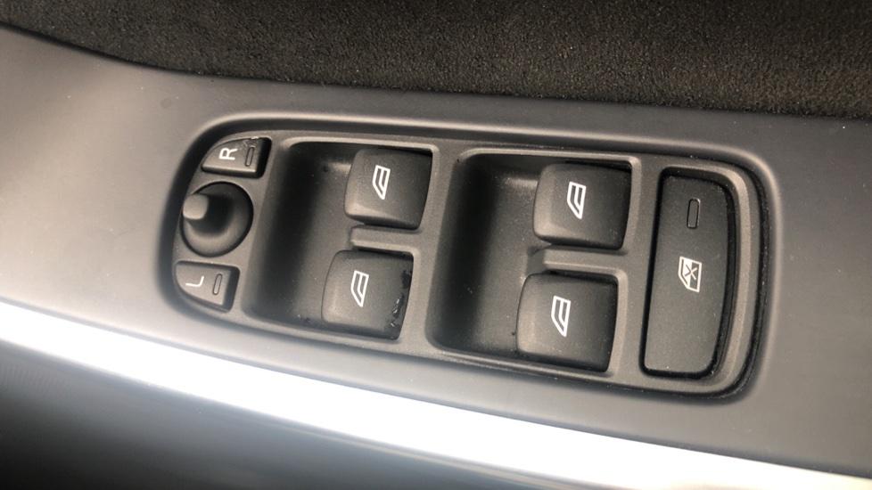 Volvo XC60 D5 [215] AWD R Design Nav Auto with High Perfor Audio, ECC DAB Radio, USB & Bluetooth image 24
