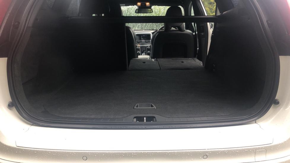 Volvo XC60 D5 [215] AWD R Design Nav Auto with High Perfor Audio, ECC DAB Radio, USB & Bluetooth image 26