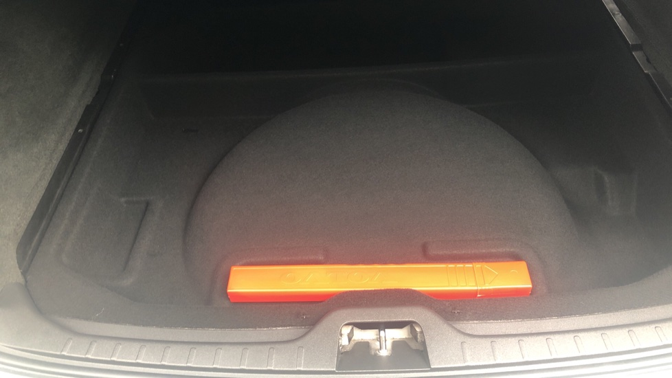 Volvo XC60 D5 [215] AWD R Design Nav Auto with High Perfor Audio, ECC DAB Radio, USB & Bluetooth image 27