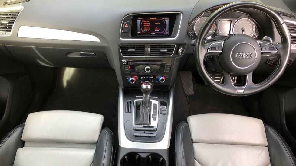 Audi Q5 SQ5 Quattro Auto, with Audi Music Interface, F.Heated Seats, Paddles Shifters, R.Park Sensors image 5