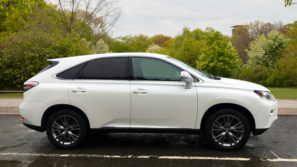Lexus RX 450h 3.5 Hybrid Luxury Auto with Parking Sensors, Sat Nav, Rear Camera & Heated Front Seats image 4