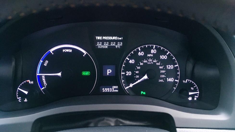 Lexus RX 450h 3.5 Hybrid Luxury Auto with Parking Sensors, Sat Nav, Rear Camera & Heated Front Seats image 9