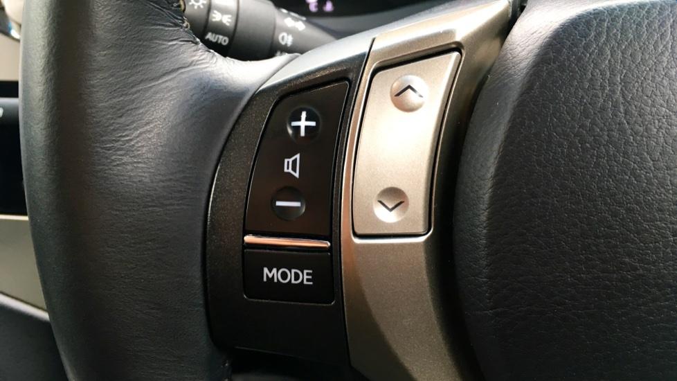 Lexus RX 450h 3.5 Hybrid Luxury Auto with Parking Sensors, Sat Nav, Rear Camera & Heated Front Seats image 17