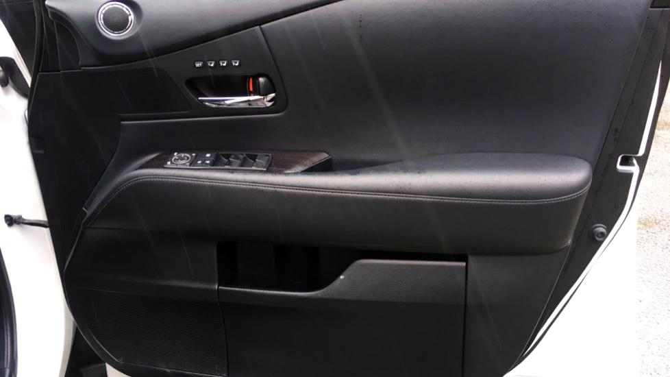 Lexus RX 450h 3.5 Hybrid Luxury Auto with Parking Sensors, Sat Nav, Rear Camera & Heated Front Seats image 18